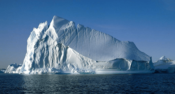 ilginc - Araplar buz dağını çekecek - Arap Emirlikleri Buzdağı'nı Gemiler ile Çekip İçme Suyu Üretecek