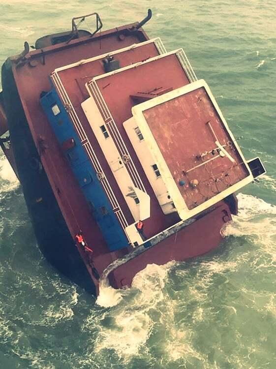haberler, gundem - Kurtarma operasyonu çin 2 - Batmakta Olan Gemiden 5 Personel Kurtarıldı