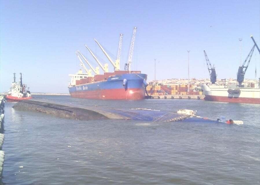 haberler, gundem - Nv Ali Ağa kazası - M/V Ali Ağa Gemisi Bandırma Limanında Devrildi   Yaralılar Var