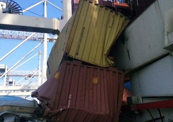 haberler, gundem - Konteyner kazası 2 - 5 Konteyner Gemiden Limana Düştü