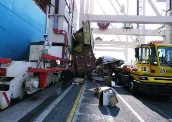 haberler, gundem - Konteyner kazası 3 - 5 Konteyner Gemiden Limana Düştü