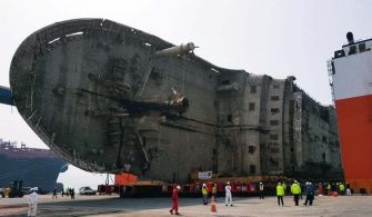 MF SEWOL salvage operation4