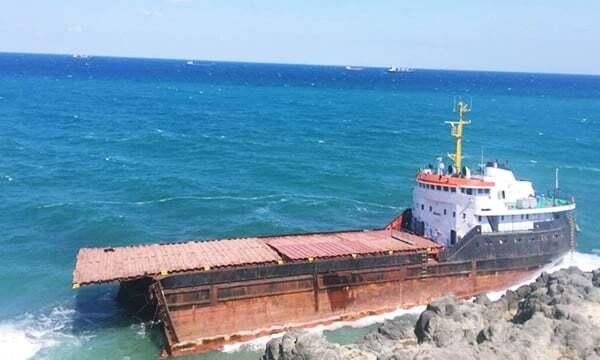 haberler, gundem - istanbul gemi kazası4 1 - İstanbulda MV Leonardo İsimli Gemi İkiye Bölündü