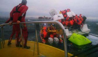 haberler, gundem - Güney Afrika Gemi Kazası 335x195 - Batmak Üzere Olan Tekneden 68 Yolcu Kurtarıldı | Video