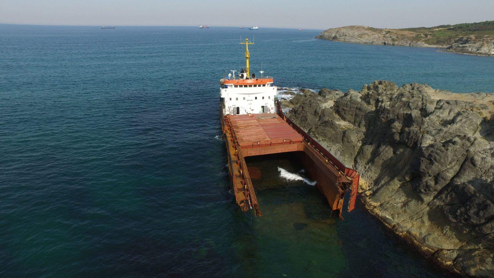 haberler, gundem - MV Leonard kazası 2 scaled - Kilyos Açıklarında Kırılan Gemi Parçalanmaya Başladı
