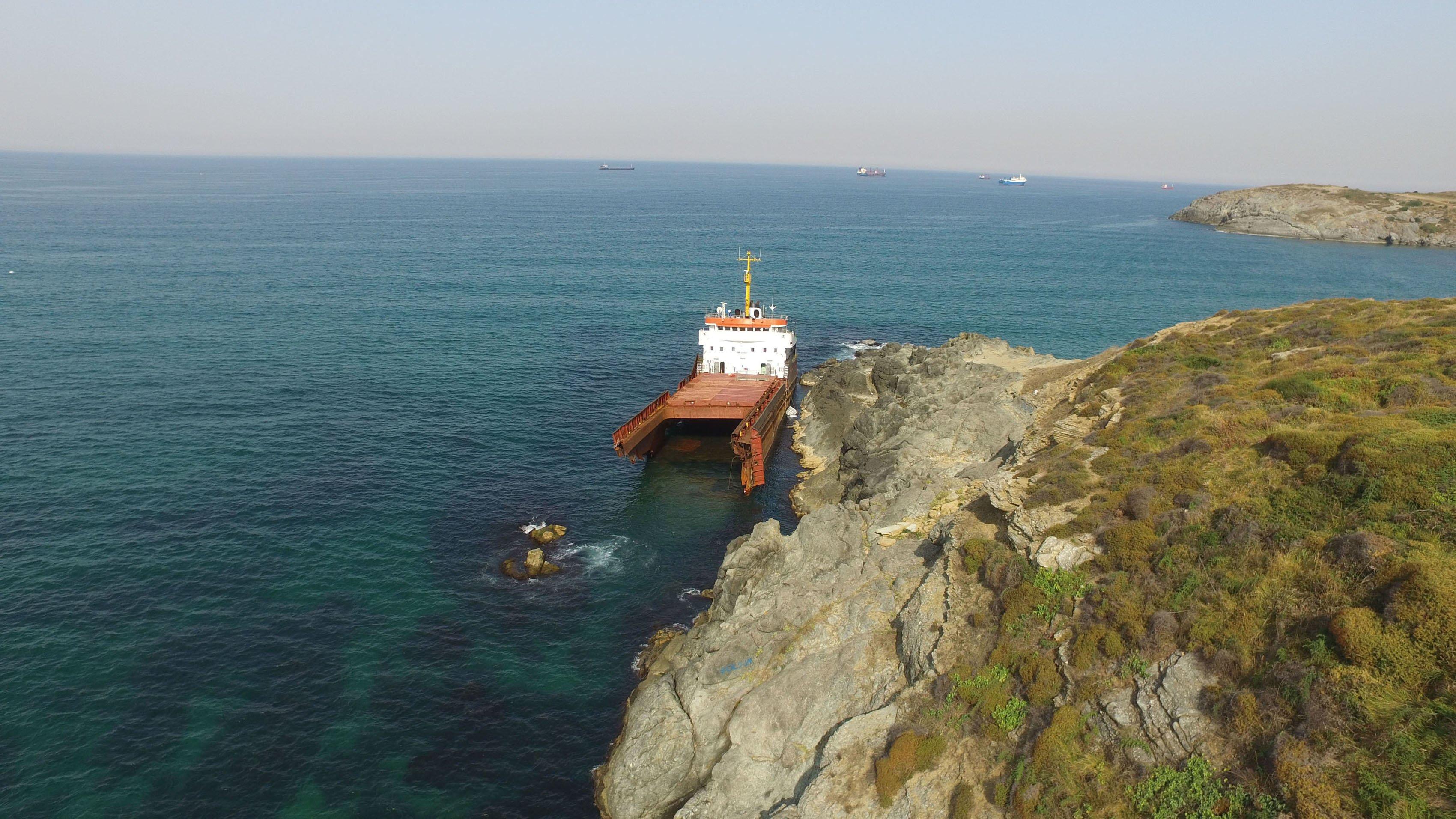haberler, gundem - MV Leonard kazası 3 - Kilyos Açıklarında Kırılan Gemi Parçalanmaya Başladı