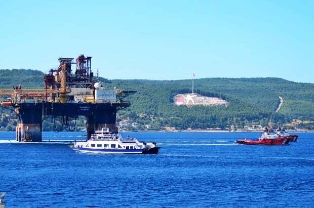 haberler, gundem - Scarabeo 9 Petrol Platformu3 - Dev Platform Çanakkale Boğazında | Boğaz Gemi Trafiğine Kapatıldı
