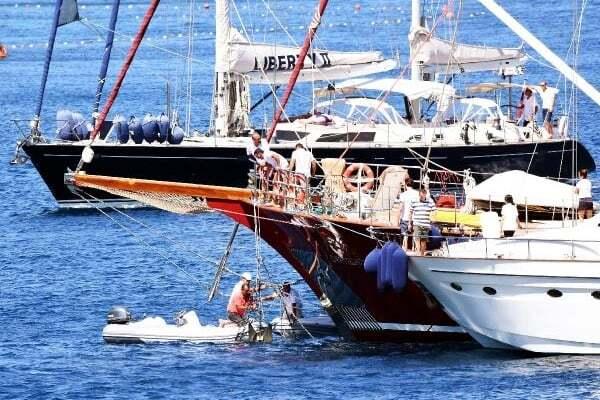 haberler, gundem - bodrum tekne2 1 - Bodrum Cennet Koyunda Lüks Yatlar Birbirine Dolandı