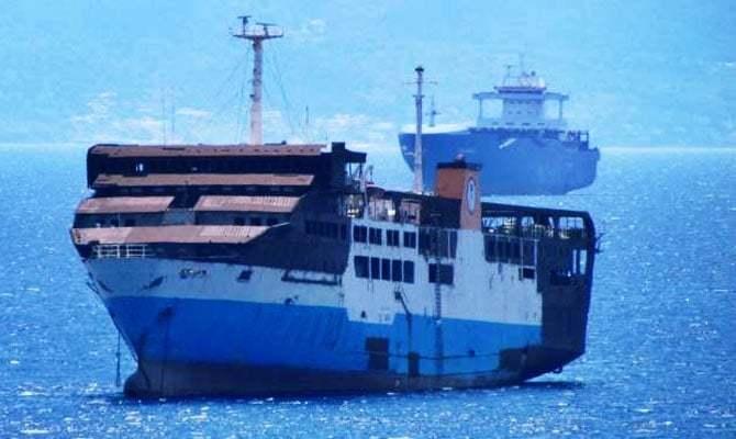 haberler, gundem - MV Makedonia 3 - Personeli Olmayan RO-RO Gemisi Karaya Vurdu