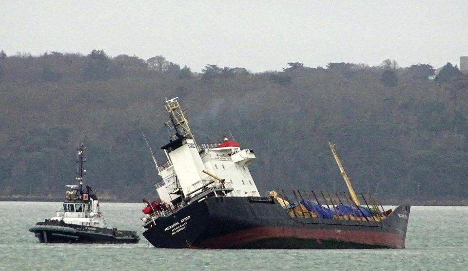 haberler, gundem - Mv Mekhanik Yartsev 1 - Rus Kuruyük Gemisi Tehlikeli Şekilde Yan Yattı