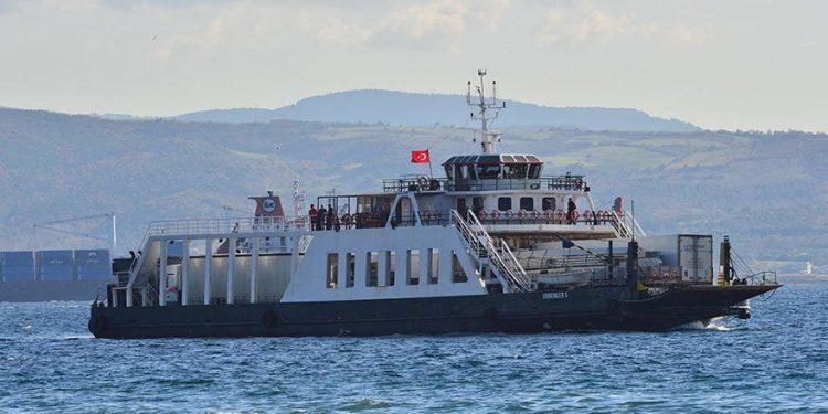 Feribot Balıkçı Teknesiyle Çatıştı