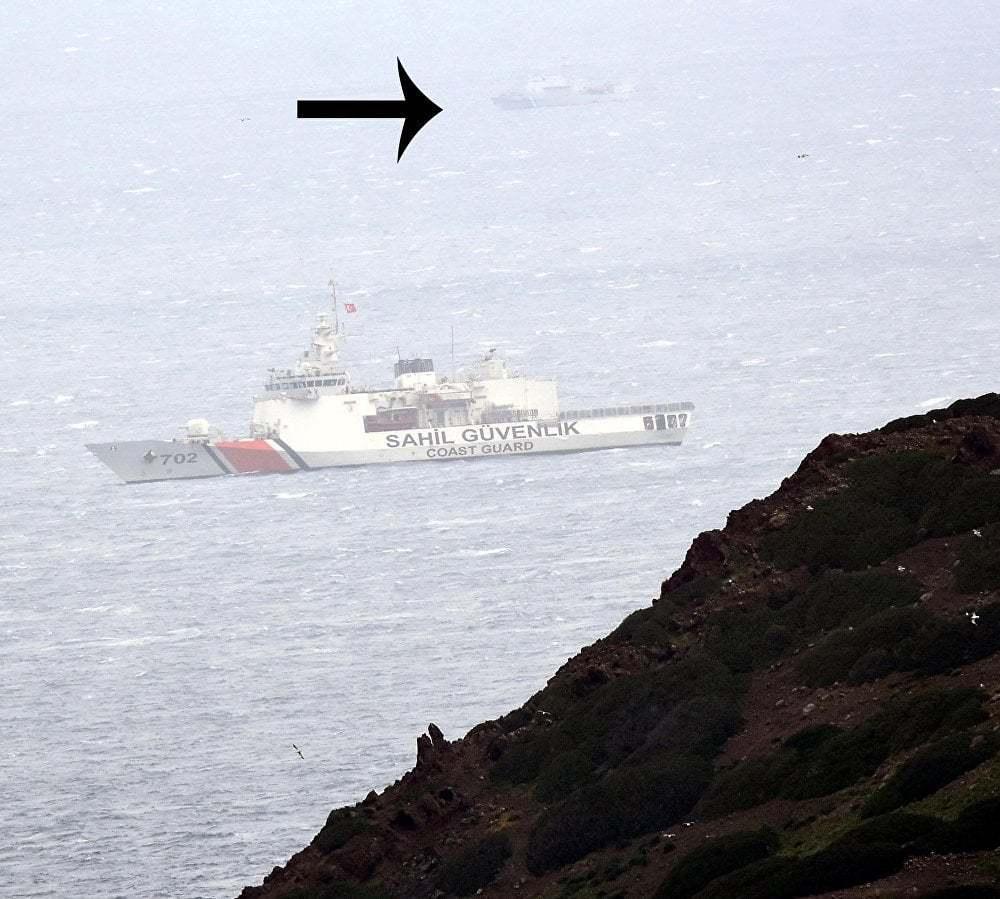 haberler, gundem - Kardak Kayalıkları Sahil Güvenlik 2 - Türk Deniz Kuvvetleri Kardak Kayalıkları İçin İskele İnşaasına Başladı