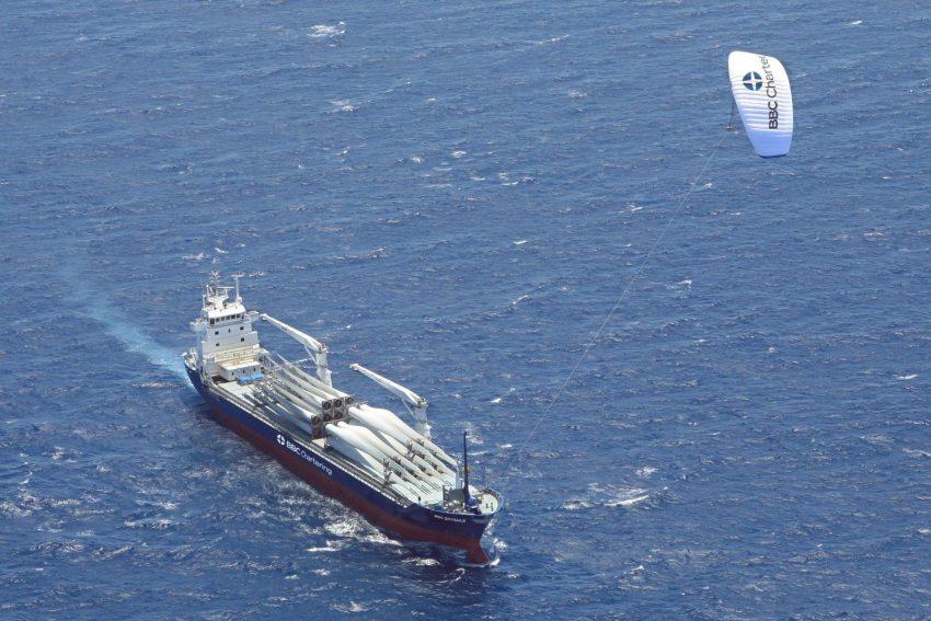 paraşütlü gemi