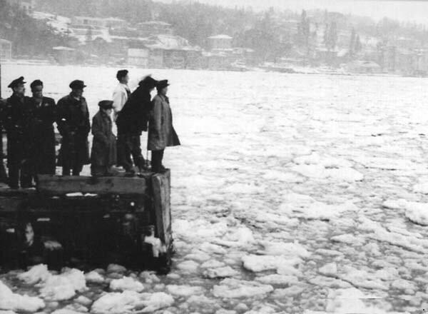 ilginc - deniz buzu - İstanbul Boğazı Nasıl Buz Tuttu?