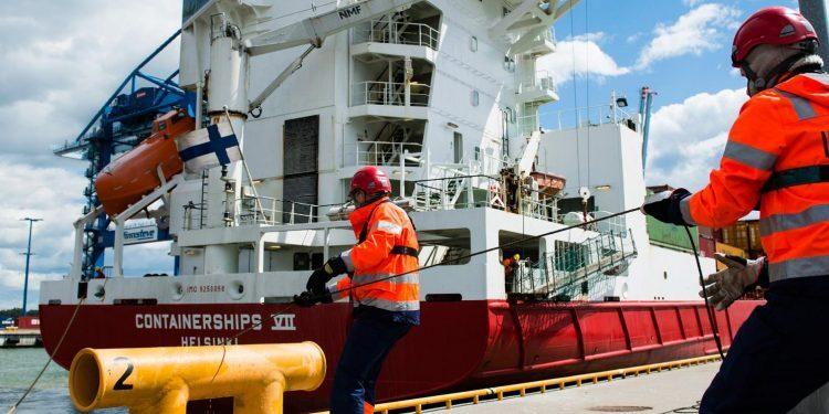 tanker - gemide çalışma müsadesi sistemi 750x375 - Gemide Çalışma Müsadesi Sistemi