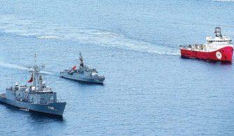 Türk Savaş Gemilerinden Geçit Yok