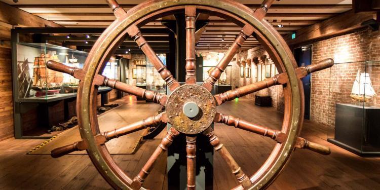 Zamansal Yolculuk Gemi Seyri