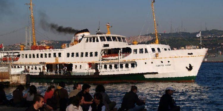 Emektar Vapur İzmir'de Yüzer Kütüphane Olacak