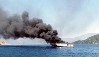 haberler - Yanan Tekne 335x195 - Lüks Tekne Alevler İçinde