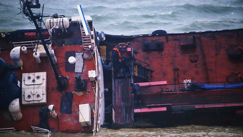 haberler, gundem - MT DELFI ACCIDENT - Delfi İsimli Tanker Karaya Oturduktan Sonra Devrildi