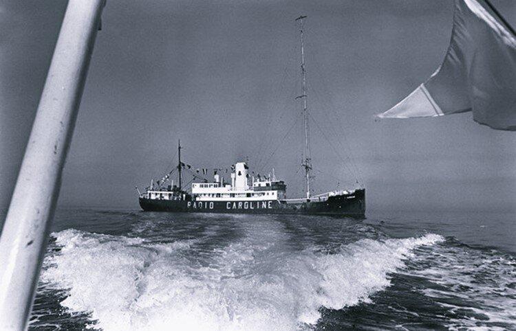 ilginc - radio caroline gemisi 1 - Korsan Kaset, Korsan Film. Peki Bunlara Neden Korsan Deniliyor?