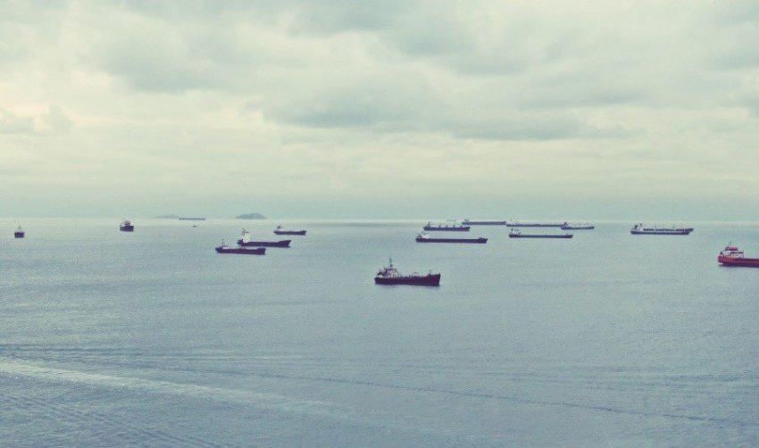 İstanbul'da ki Sahipsiz Yedi Gemi Satışa Çıkarıldı